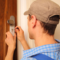 Locksmith door opening